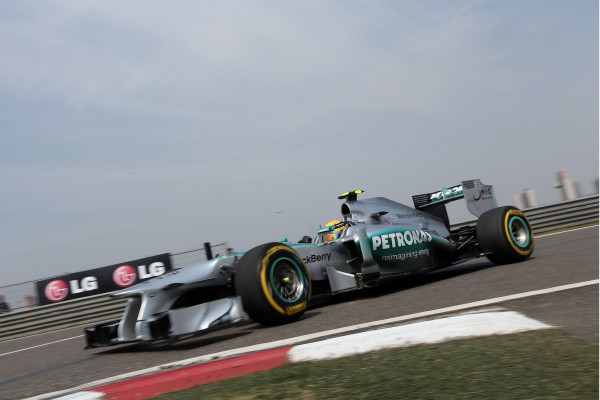 F1 2013-Chinese-Grand-Prix-Lewis-Hamilton-Pole-Position