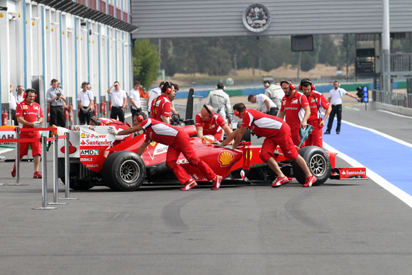 F1-Test-Rookie-a-Magny-Cours-FERRARI-Photo-Gilles-VITRY-autonewsinfo