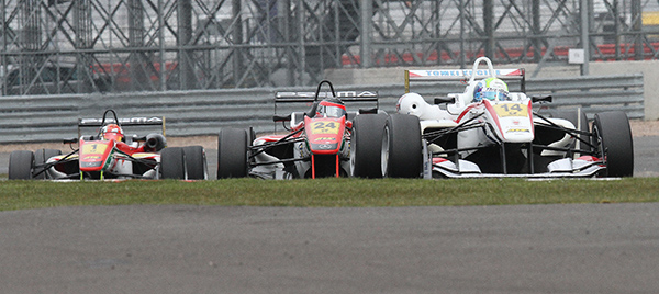 F3-FIA-SILVERSTONE-William-BULLER-Lucas-AUER-Rafaele-MARCIELLO-Photo-Gilles-VITRY-autonewsinfo