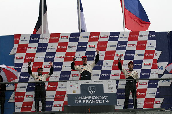 F4-2013-LE-MANS-1er-podium-Simo-MUHONEN-Photo-Gilles-VITRY-autonewsinfo