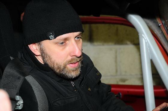 FUN-CUP-2013-Jean-René-Defournoux-a-largement-prodigué-ses-conseils-aux-4-pilotes-néophytes