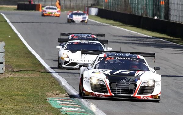 GT FIA 2013 ZOLDER Vanthoor vient de passer en tête pour ne plus la quitter jusqu'à l'arrivée© Manfred GIETpour autonewsinfo