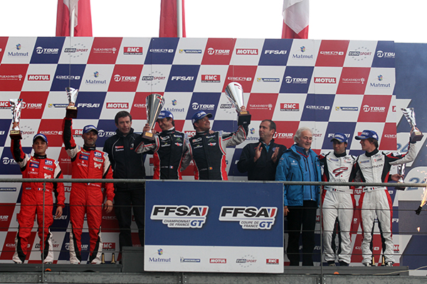 GT-TOUR-FFSA-2013-LE-MANS-Podium-Course-1-samedi-27-AVRIL-Photo-Gilles-VITRY-autonewsinfo