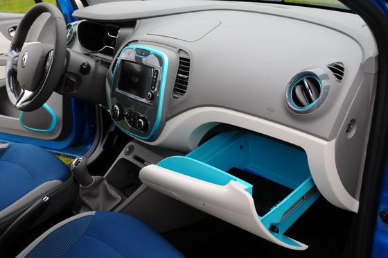 RENAULT CAPTUR Intérieur clair et liserets bleus avec le tiroir Easy Life Photo Patrick MARTINOLI autonewsinfo