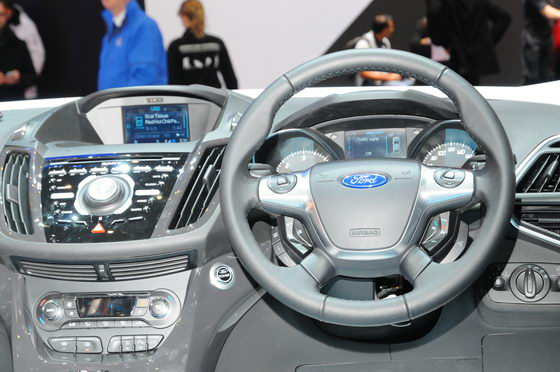 SALON-GENEVE-2013-FORD-Sync-2-Photo-PATRICK-MARTINOLI-autonewsinfo
