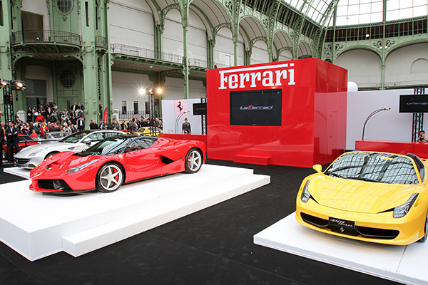 TOUR-AUTO-2013-AU-GRAND-PALAIS-LaFerrari-1ere-presentation-en-France-Photo-Gilles-VITRY-autonewsinfo