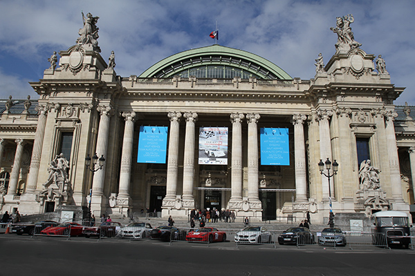 TOUR-AUTO-2013-AU-GRAND-PALAIS-Les-belles-s'offrent-le-Grand-Palais-Photo-Gilles-VITRY-autonewsinfo.