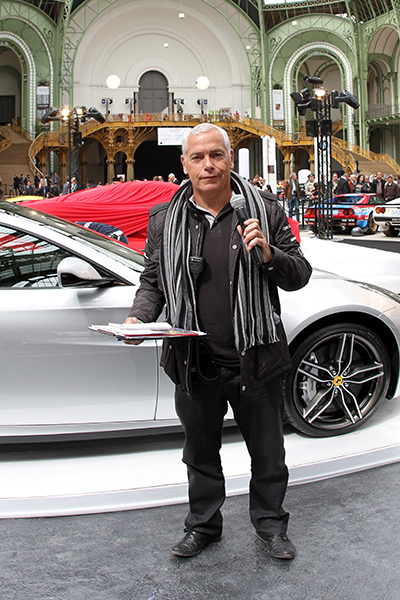 TOUR-AUTO-2013-AU-GRAND-PALAIS-Stefan-ROUX-le-dynamique-speaker-Photo-Gilles-VITRY-autonewsinfo