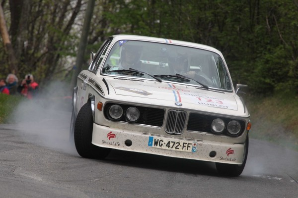 TOUR AUTO 2013 BMW 3 0 CSL 1973 Laurent CAUCE Nicolas de FAUTEREAU Photo HAASE FOTO CLASSIC pour autonewsinfo
