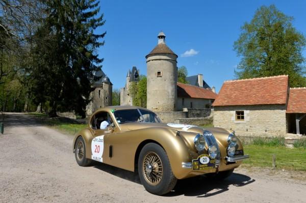 TOUR-AUTO-2013-JAGUAR-XK120-1961-Stephane-ENGUEHARD-Pascale-GRANSARD