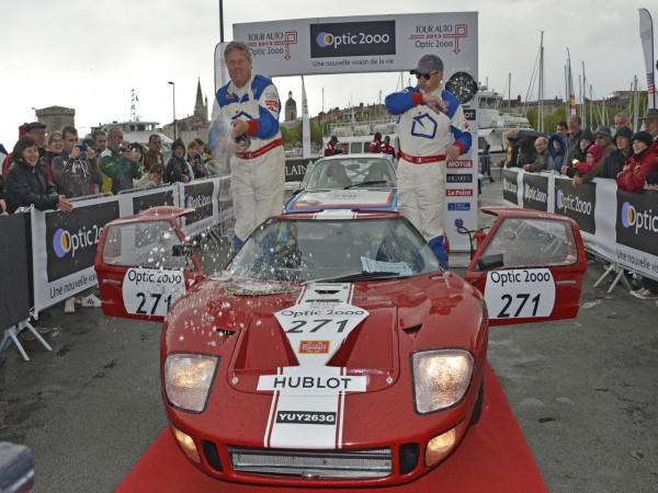 TOUR AUTO 2013 Photo de Max MALKA pour autonewsinsinfo FORD GT 40 Philippe VANDROMME Frederic VIVIER