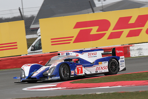 WEC-2013-SILVERSTONE-TOYOTA-num-7-en-pole-Photo-Gilles-VITRY-autonewsinfo