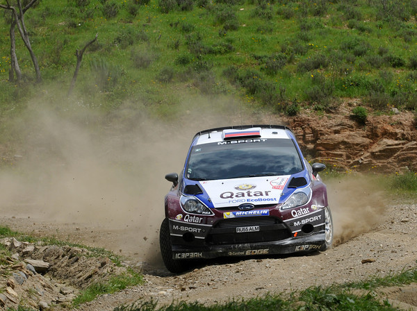 WRC-2013-PORTUGAL-FORD-FIESTA-THIERRY-NEUVILLE-Photo-Jo-LILLINI