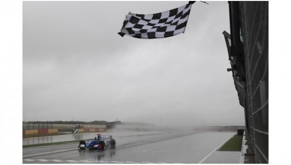 WSR-2013-MOTORLAND-VICTOIRE-dimanche-28-avril-de-Carlos-HUERTAS-seconde-course