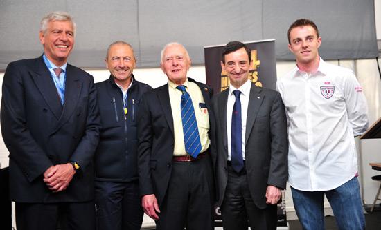 24-H-DU-MANS-2013-De-gauche-à-droite-François-Cornélis-Président-du-Royal-Automobile-Club-de-Belgique-Jacques-Tropenat-representant des pilotes