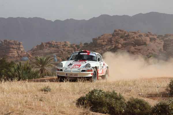 MAROC HIDSTORIQUE 2013 - Alain DEVEZA- PORSCHE 911 de 1974 - photo David GUYARD  pour autonewsinfo
