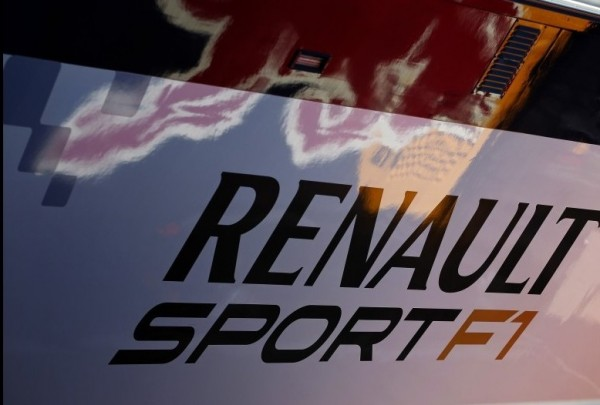 BAHREIN 2012 RENAULT SPORT STAND RED BULL