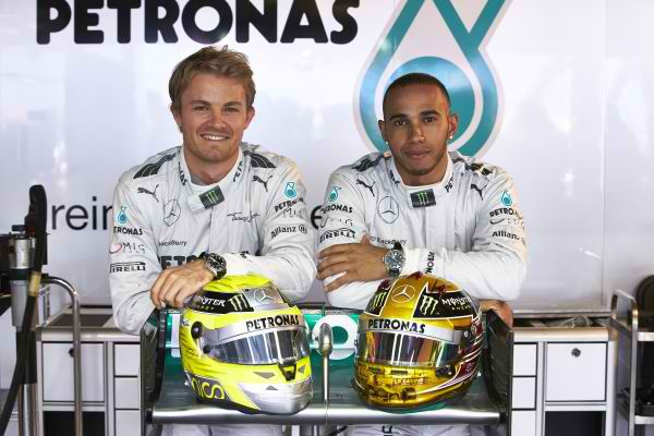F1-2013-MONACO-Nico-ROSBERG-et-Lewis-HAMILTON - la joie des MERCEDES ' boys