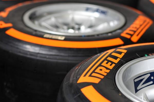 F1 2013 PIRELLI apporte à Barcelone ses nouveaux New-P-Zero-orange