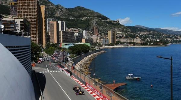 F1.-2013-MONACO-la-sortie-du-tunnel-et-le-port