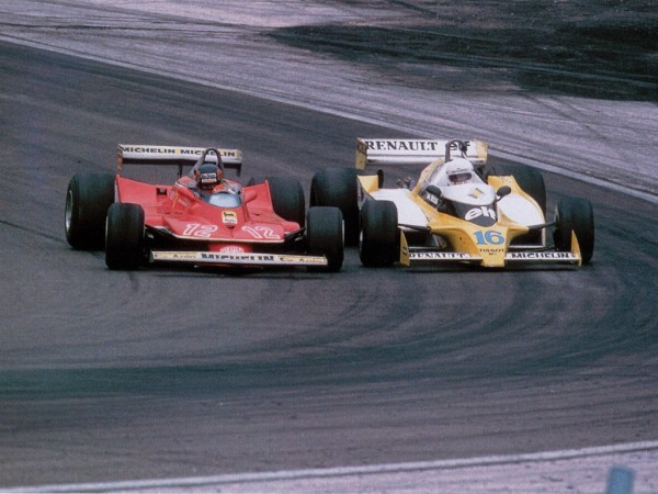GILLES VILLENEUVE GP FRANCE 1979 le duel avec RENE ARNOUX Photo Bernard BAKALIAN