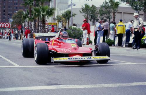 Gilles VILLENEUVE au Grand Prix des USA ' Ouest' à LONG BEACH dans les environs de LOS ANGELES avec la FERRARI