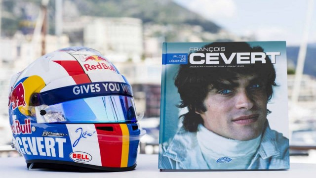JEAN-ERIC-VERGNE-GP-de-MONACO-2013-Casque-de-JEV-aux-couleurs-de-Francois-CEVERT - photo RED BULL