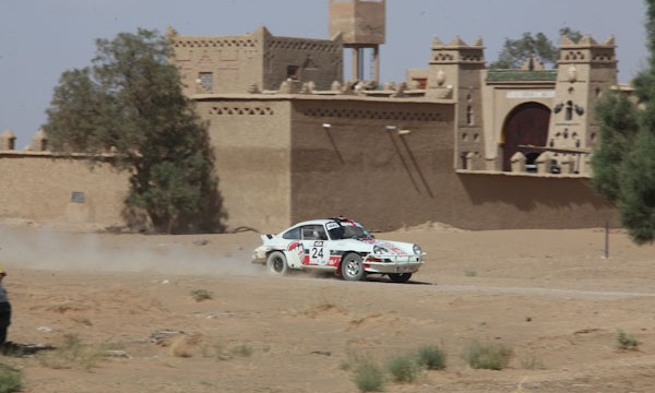 MAROC HISTORIQUE 2013 Alain DEVEZA entre Merzouga et Ifrane photo Francois HAASE autonewsinfo