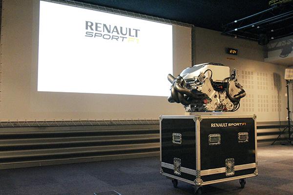RENAULT-F1 MOTEUR-Usine-VIRY - Photo Gilles VITRY - autonewsinfo