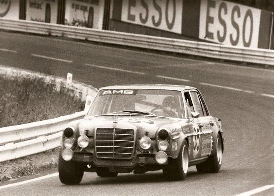 SPA-CLASSIC-2013-1971-les-débuts-dAMG-aux-24-Heures-de-Spa-avec-la-Mercedes-300-SEL-de-Heyer-Schickentanz-©-Manfred-GIET-pour-autonewsinfo