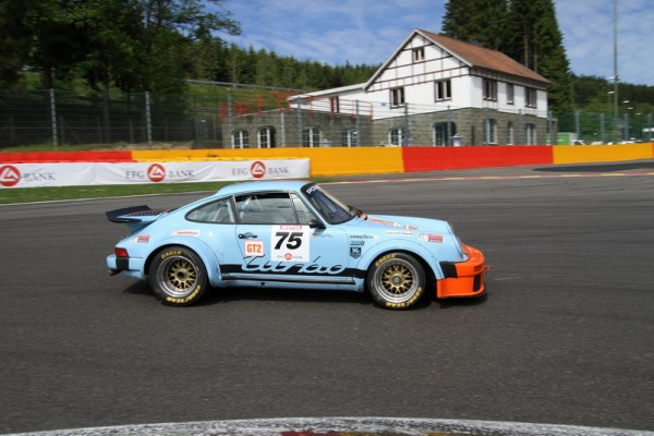SPA-CLASSIC-2013-PORSCHE-911-qui-souffle-ses-50-bougies-en-2013-©-Manfred-GIET-pour-autonewsinfo