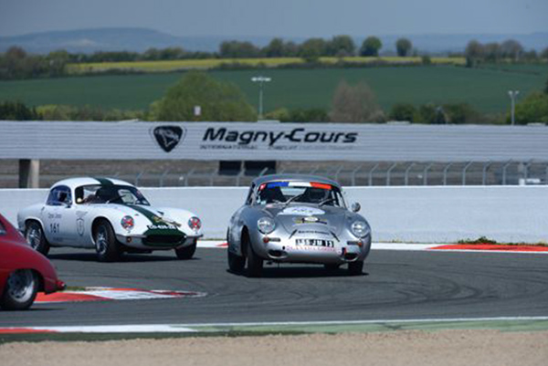 TOUR-AUTO-2013-DOQUIN- Et la sur-la-piste-de-MAGNY-COURS... GÉANT  !!!