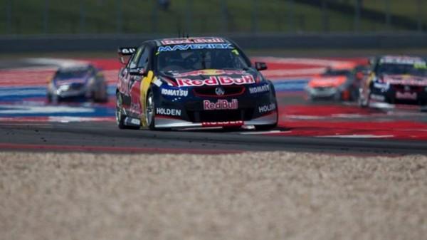 V8-SUPERCAR-2013-AUSTIN-JAMIE-WHINCUP-victoires-course-1-et-2-et-4