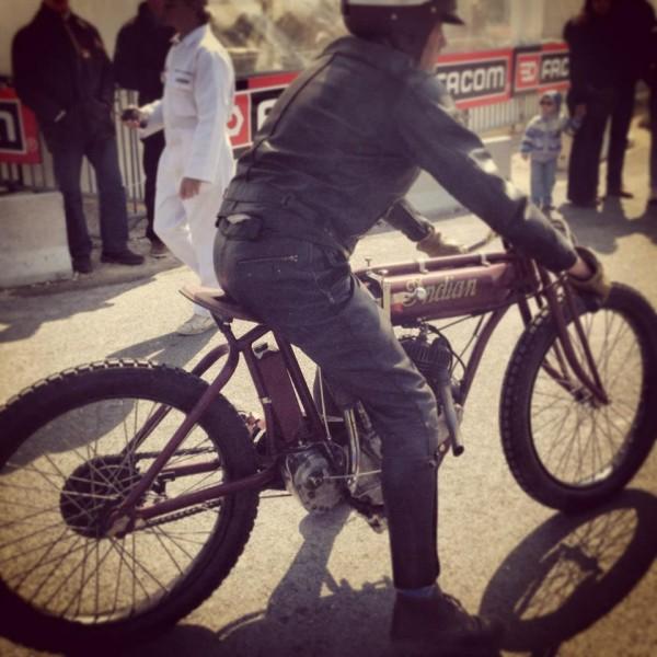 VINTAGE-REVIVAL-MONTLHERY-2013-MOTO-RIDER-INDIAN-Photo-IRON-BIKERS
