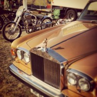 VINTAGE-REVIVAL-MONTLHERY-2013-Moto-LA-GRANDE-CLASSE-avoir-sa-ROLLS-et-sa-NORTON-Photo-IRON-BIKERS