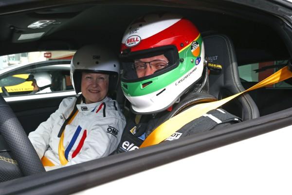 VOLANT DES CHEFS 2013 CARLOS TAVARES au volant de la MEGANE RS sur la piste du circuit IMOLA Photo RST