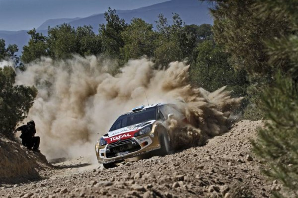 WRC-2013-ACROPOLE-DS3-HIRVONEN - Photo CITROEN