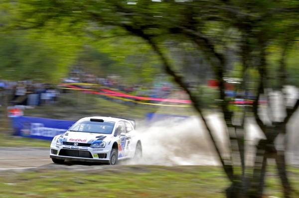 WRC 2013 Avant l'ACROPOLE -MIKKELSEN-POLO R WRC.