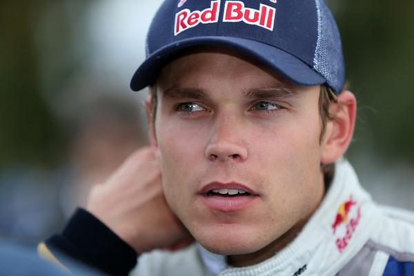WRC-2013-ARGENTINE-MIKKELSEN-Portrait-team-VW-Photo-Jo-LILLINI