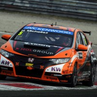 WTCC-2013-HUNGARORING-HONDA-CIVIC-Team-ZENGO-Norbert-MICHELISZ-Photo-Team
