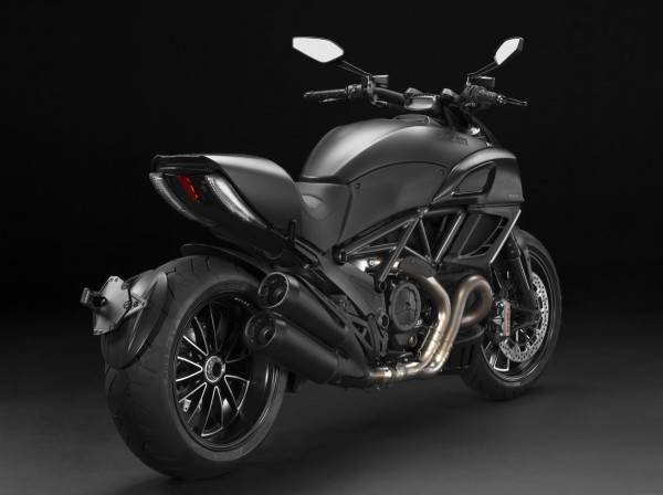 LA DIAVEL DARK