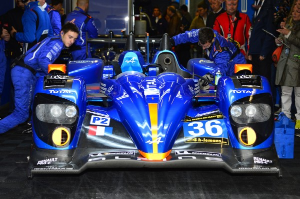 24 H DU MANS 2013 ALPINE N° 36 dans son stand Photo MAX MALKA
