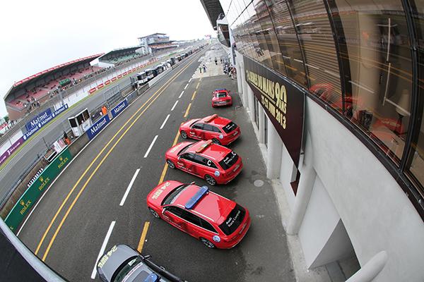 24-H-DU-MANS-2013-les-pace-cars-safety-cars-photo-Gilles-VITRY-autonewsinfo