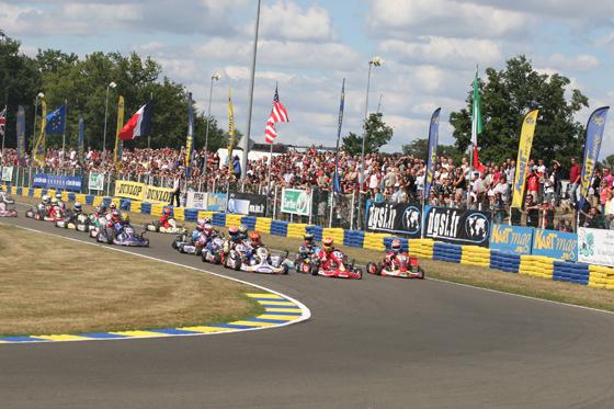 24 HEURES DU MANS KARTING- Départ de la course en 2010 - Photo Jacky FOULATIER de Kartmag pour autonewsinfo