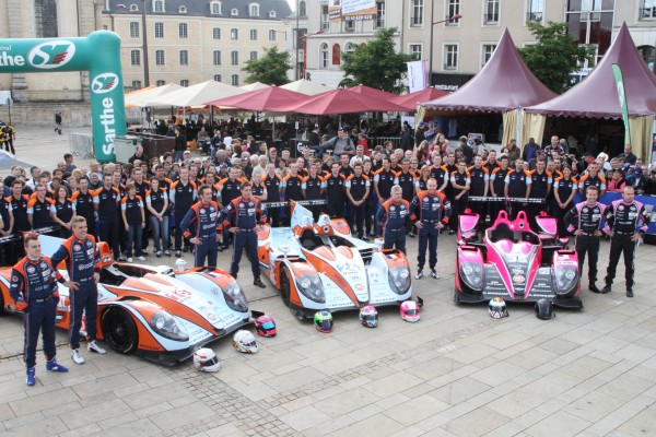 24 HEURES DU MANS 2012 PESAGE Le Team OAK Racing.J
