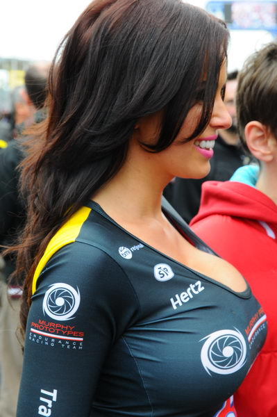24-HEURES-DU-MANS-2013-GRID-GIRL-Photo-Patrick-MARTINOLI