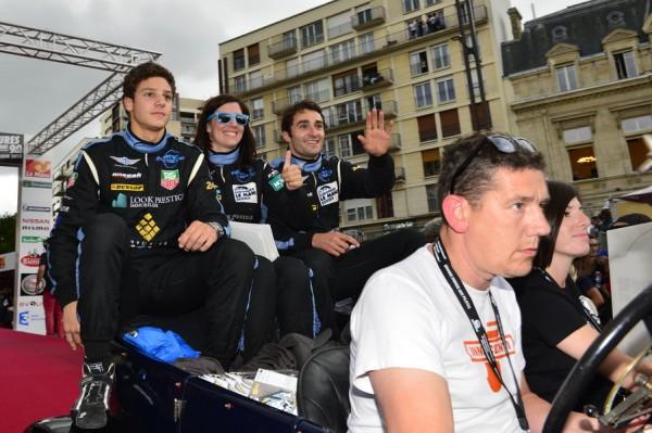 24-HEURES-DU-MANS-2013-Photo-Max-MALKA-PARADE-MORGAN-MORAND-avec-Natacha-GACHNANG-Olivier-LOMBARD-Franck-MAILLEUX