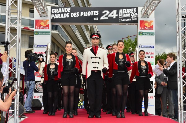 24-HEURES-DU-MANS-2013 LA PARADE-Photo-Max-MALKA-Souvenir-