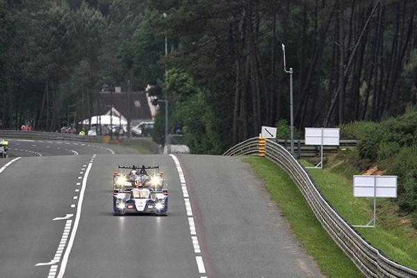 24-HEURES-DU-MANS-2013-TOYOTA-devant-ORECA-NISSAN-Team-ADR-DELTA-G-DRIVE-photo-Patrick-MARTINOLI