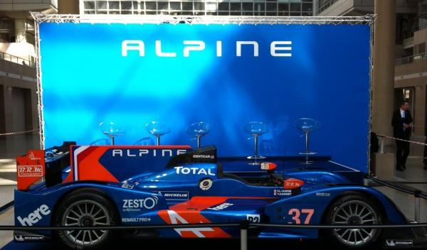 ALPINE-2013-TECHNOCENTRE-a-la-rencontre-des-hommes-de-RENAULT